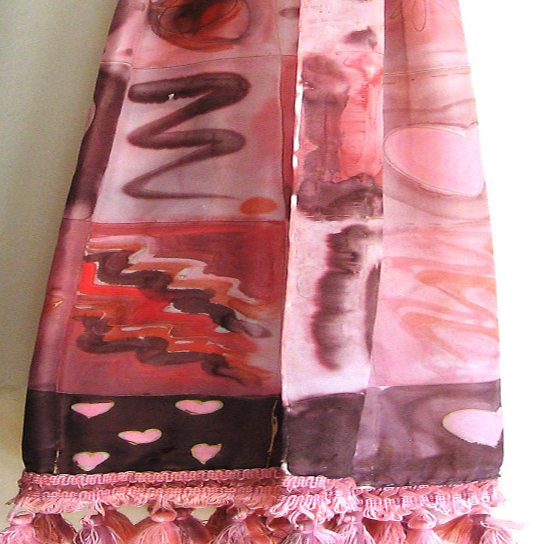 """Fular """"Cuadros rosas y marrones"""" crepe satén, 180 x 45 cm, rematado en cenefa de pasamanería"""