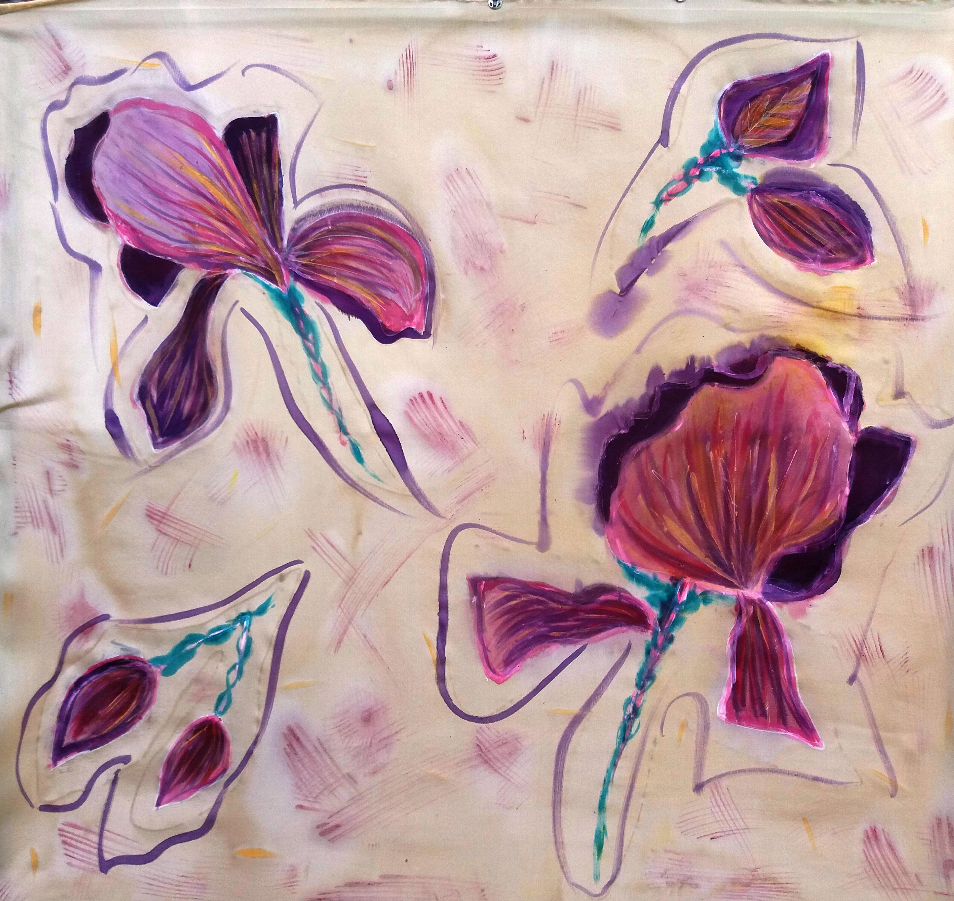 "Pañuelo ""Flores fondo beig"", crepe satén 90 x 90 cm."