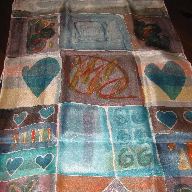 "Detalle del fular ""Cuadros de colores"", crepe satén 180 x 45 cm"