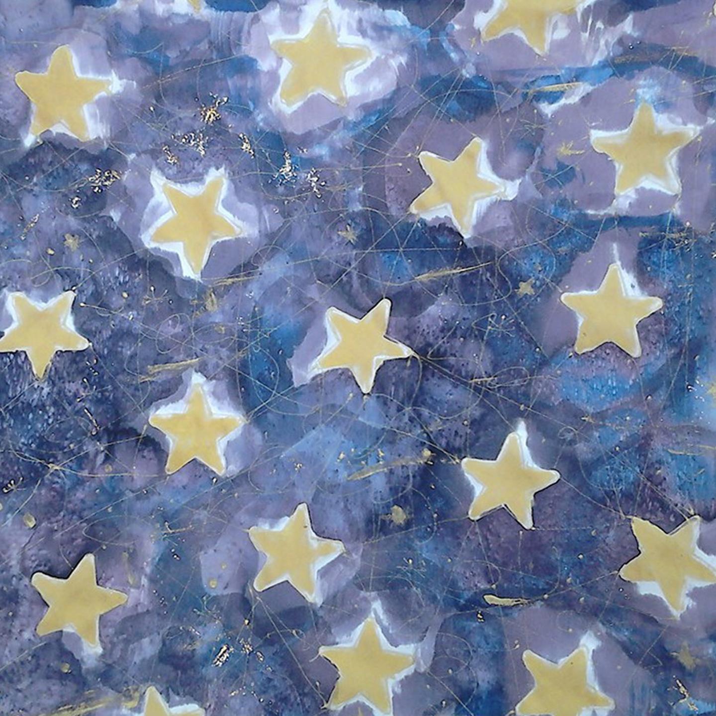 """Pañuelo """"Estrellas doradas sobre fondo azul"""" crepe satén, 45 x 45 cm"""
