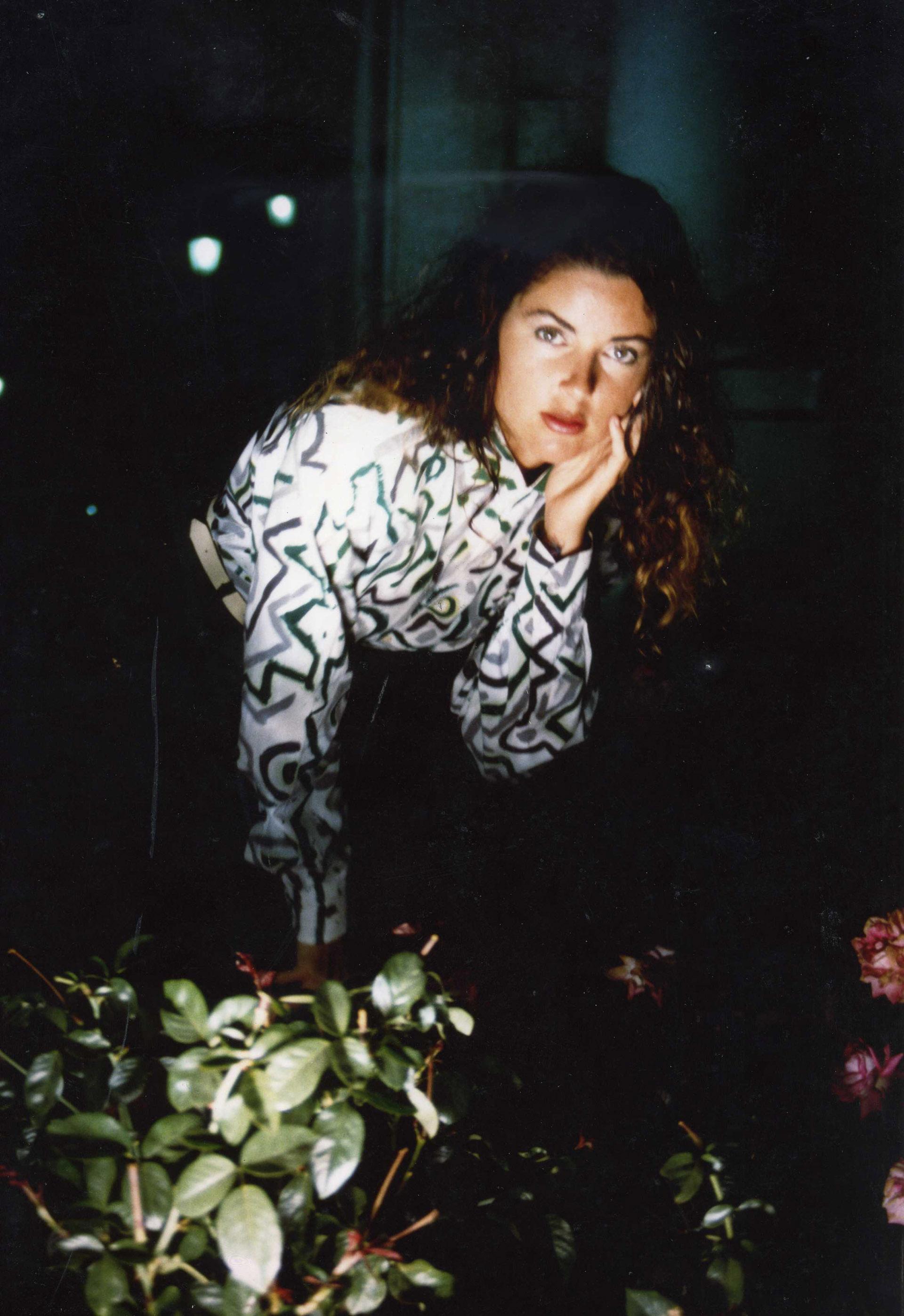 Camisa de algodón pintada a mano. Fotografía: Cote Cabrera. 1989.