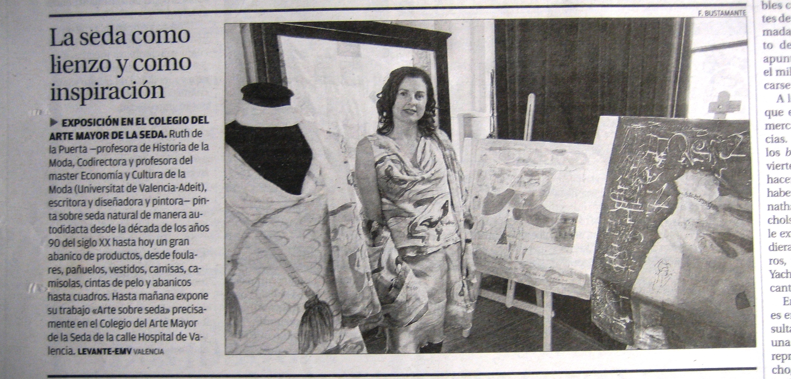 """Noticia de la Exposición """"Arte en Seda"""" publicada en el diario El Levante el 22 de junio de 2013."""