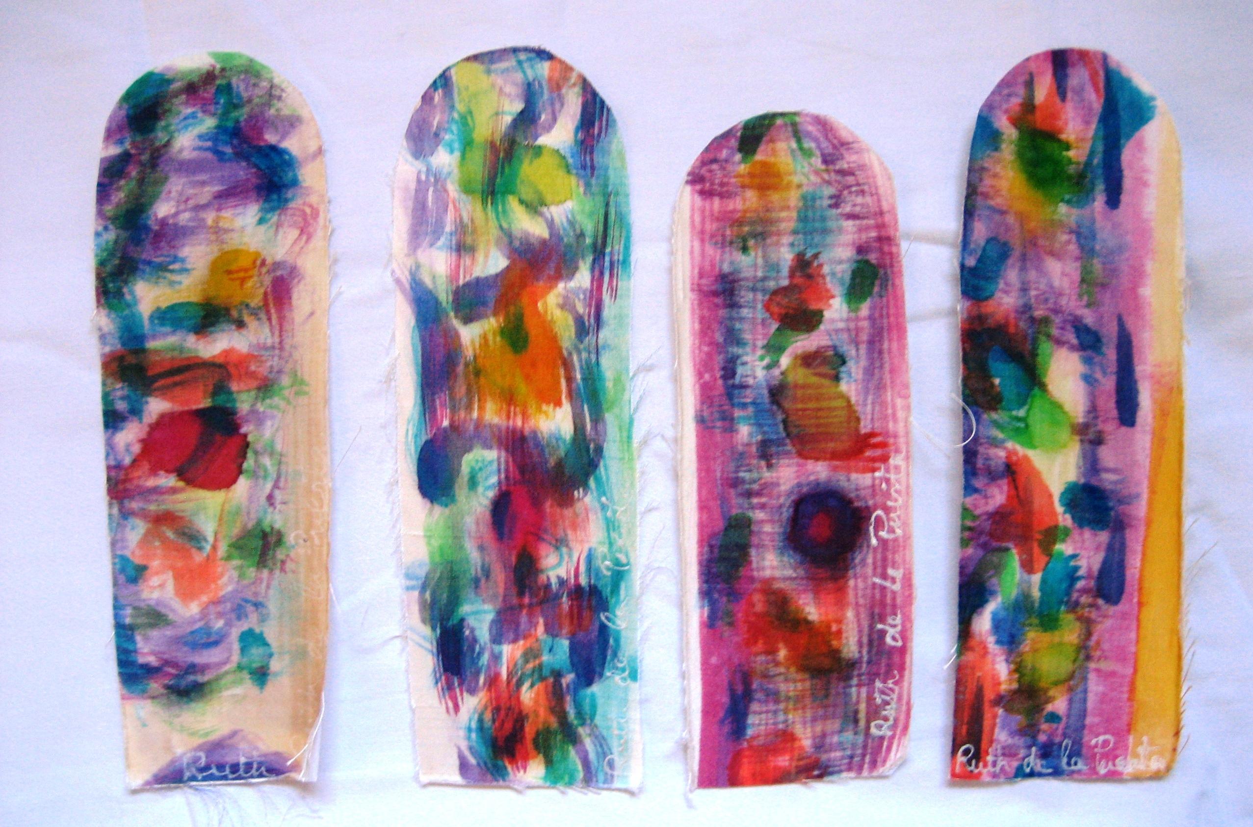 Marcapáginas manchas de color en seda natural pintadas a mano.