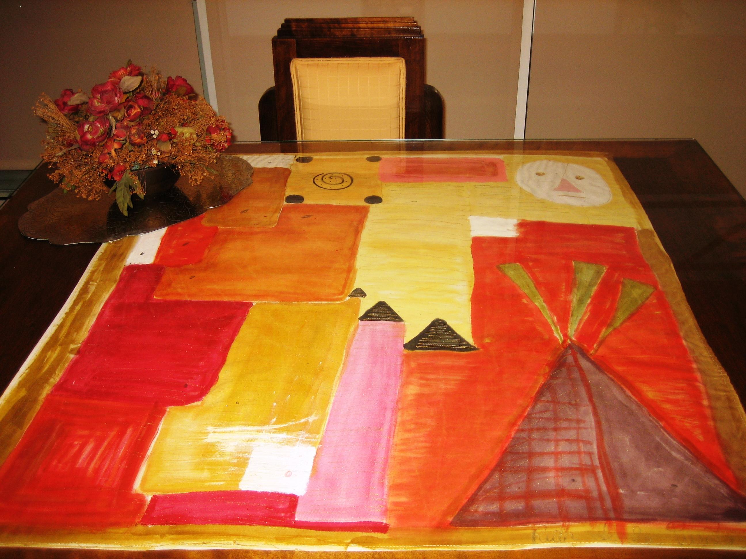 Tapete de mesa (84 x 84 cm) en seda natural elaborada por Gironés Vila. Valencia.