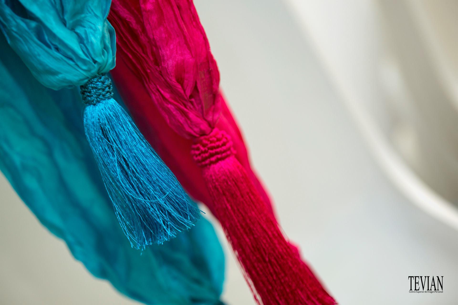 Detalle de borlas de pasmanería de seda para fulares. Fotografía: Santo Coronado.