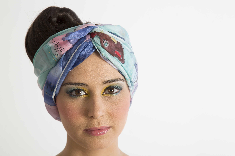 """Pareo """"Mariposas"""" como turbante,  pongé, 2 m x 90 cm."""