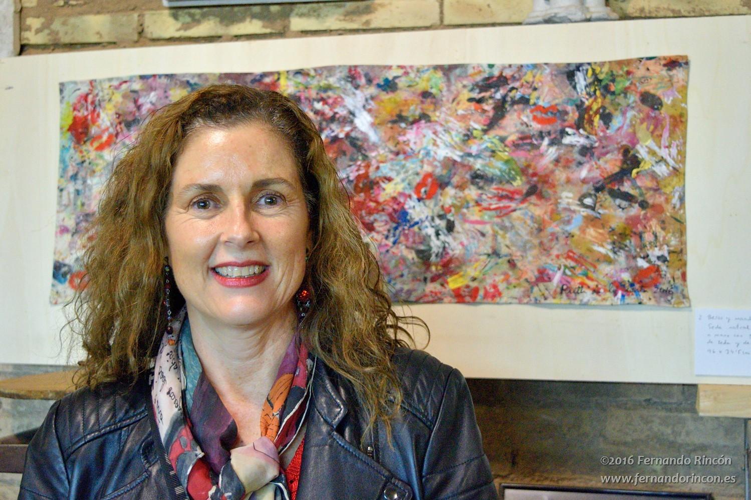 "Seda ""Besos sobre pintura abstracta"",  97 x 35 cm. Fotografía: Fernando Rincón."