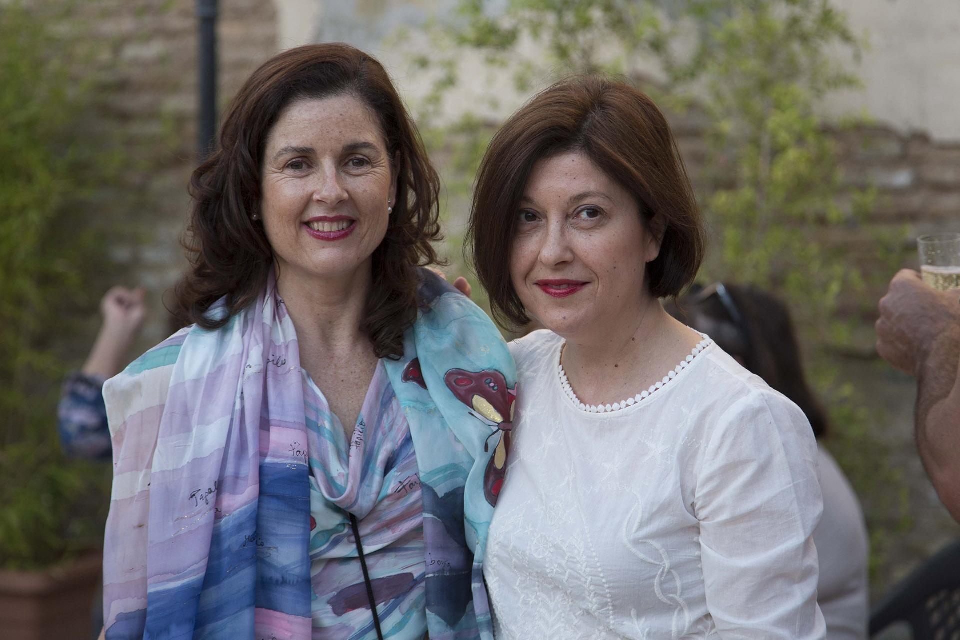 Marina Diaz con Ruth de la Puerta. Fotografía: Baúl de Fotos.