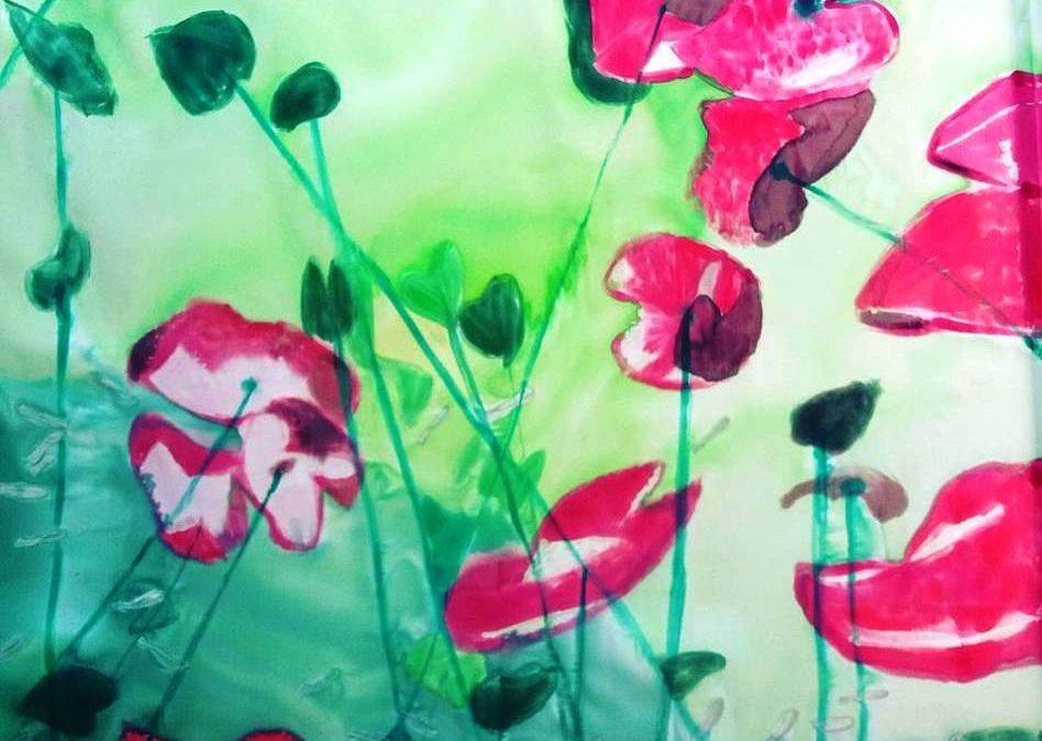 """Nuevo pañuelo crepe satén 90 x 90 cm pintado con el tema del fondo del mar inspirado en la fotografía  """"Opening to the underworld"""" por Christian Vizl"""