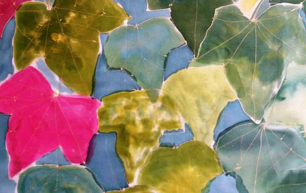 Pañuelo seda con temática de yedra inspirado en la foto de Cote Cabrera