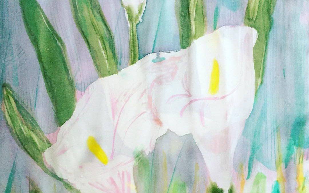 Nuevo fular de seda natural crepe satin con motivo de las calas, inspirado en la fotografía de Cote Cabrera